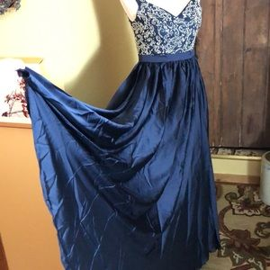 Midnight Blue Beaded Gown size MED Party Event NEW
